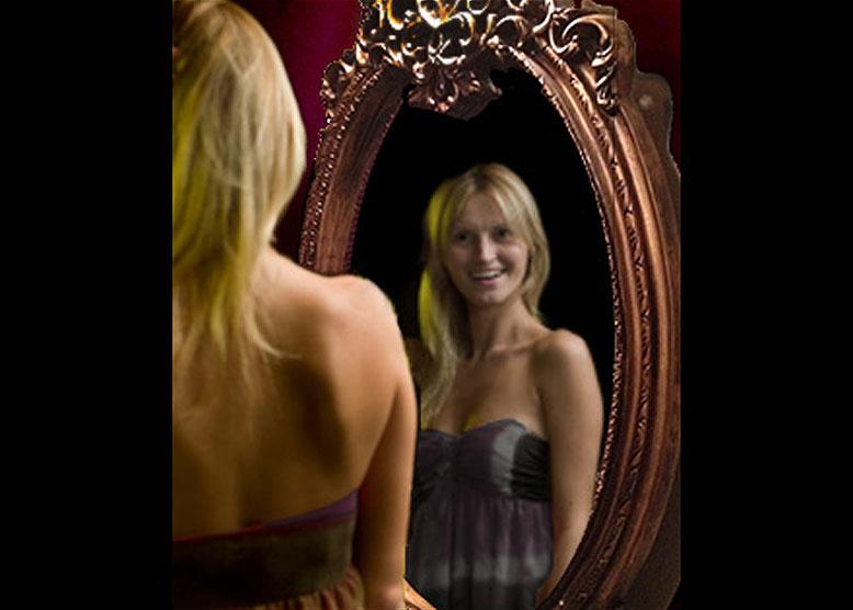 Best Halloween prank! Scare mirror with halloween video